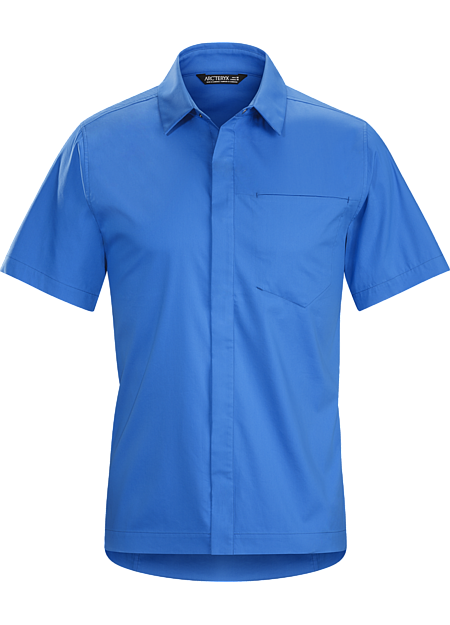 Bike commuter's short-sleeve button down in a technical cotton blend fabric.