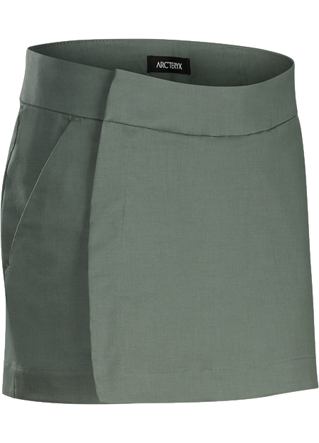 Cotton blend skort easily transitions from the bike commute to workplace.