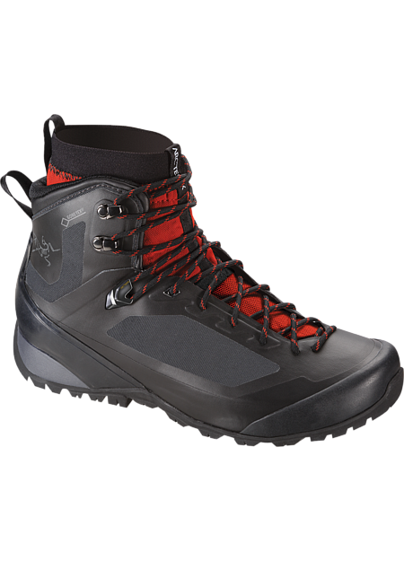 Versatile technical hiking footwear with interchangeable Arc'teryx Adaptive Fit liners, a seamless thermolaminated upper and the versatility for extended trips across varied terrain in shifting conditions. Includes 1 pair of GORE-TEX® MID-LINERS.