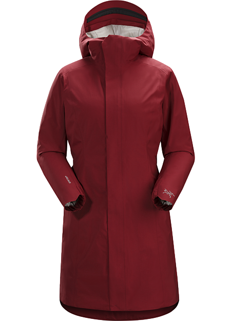 A refined, lightly insulated GORE-TEX® coat for cool, wet days in the city.