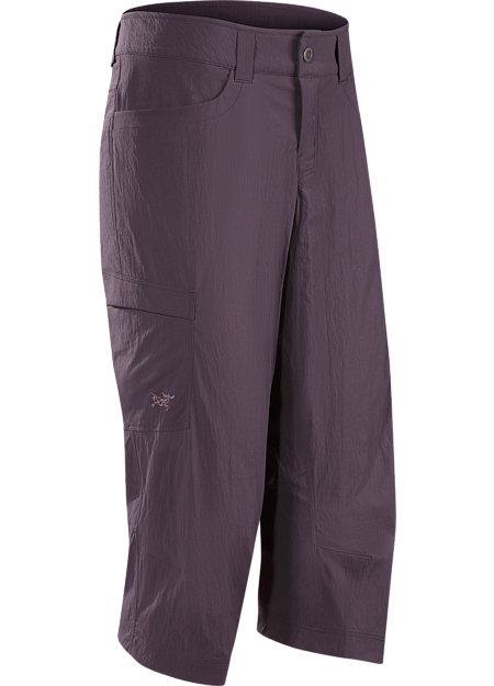 Casual capri pant constructed with lightweight, durable yet stretchy technical fabric for enhanced mobility during activity