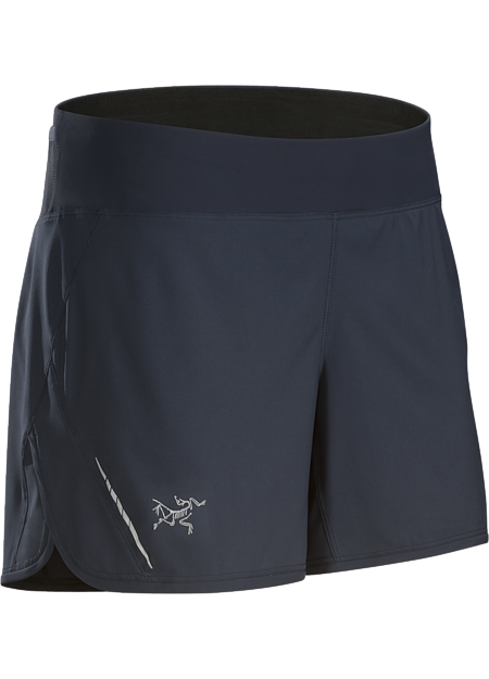 Lightweight short with a built in liner, ¾ side split and wide stretch waistband. Designed for high output mountain training.