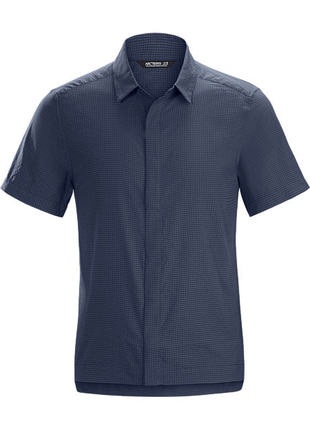 Lightweight short sleeve shirt for travel and casual days. Made from a nylon/cotton blend seersucker for comfort and technical performance.
