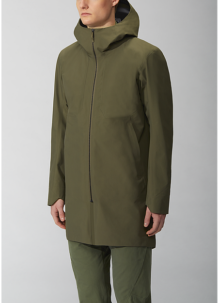 Lightweight thigh-length coat with ample storage options and an adjustable storm hood.