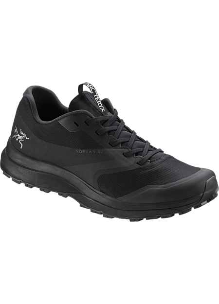 Light, supportive GORE-TEX trail running shoe for comfort on extended runs.
