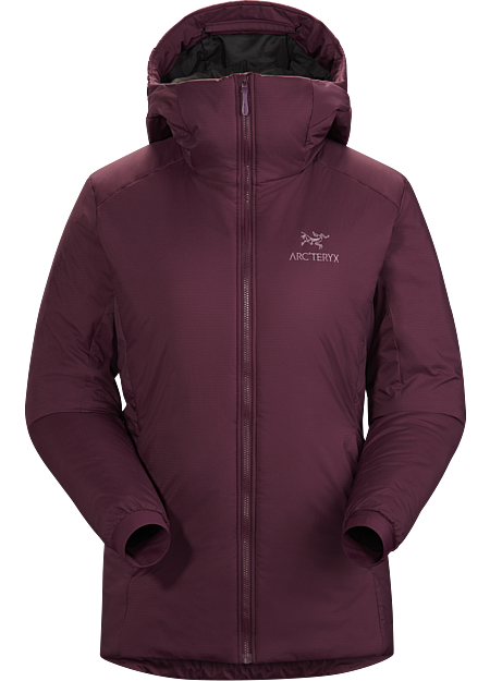 The warmest option in the Atom series performs as a standalone or midlayer. Atom Series: Synthetic insulated midlayers. | AR: All Round.