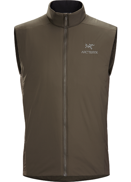 Light, warm, highly versatile insulation performs as a standalone and midlayer. Atom Series: Synthetic insulated midlayers. | LT: Lightweight.