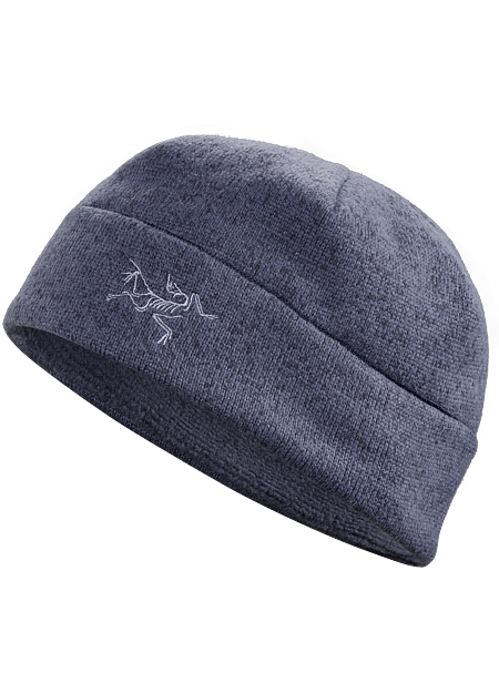 Lightweight, fitted beanie with a minimal, urban aesthetic.