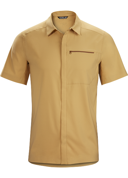 Short sleeve, modern snap-front in a lightweight, wrinkle-resistant performance fabric.