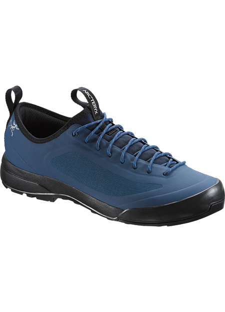 Advanced Arc'teryx footwear technologies combine in an exceptionally light, durable and comfortable shoe for technical approaches, day hikes and everyday wear. SL: Superlight.