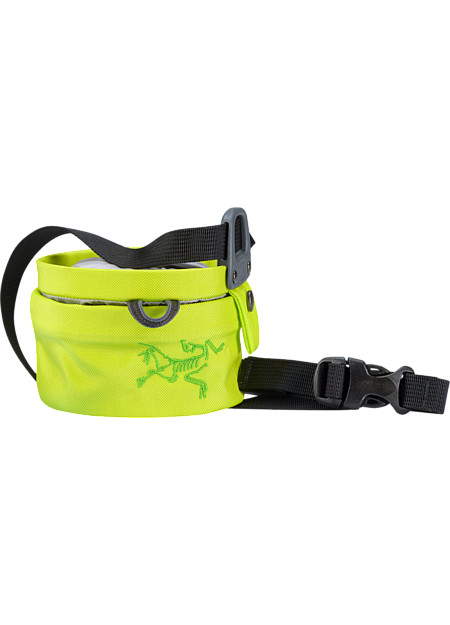 Twist closure chalkbag—the bag opens and closes with a twisting motion that seals chalk inside and shrinks the volume for easy transport.