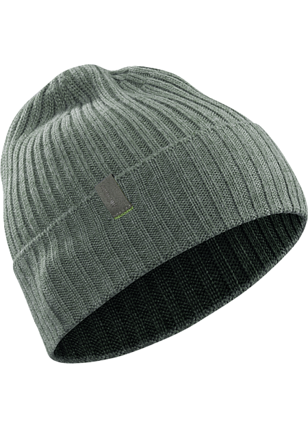 Ribbed, wool/acrylic beanie with traditional style and a subtle Arc'teryx logo.