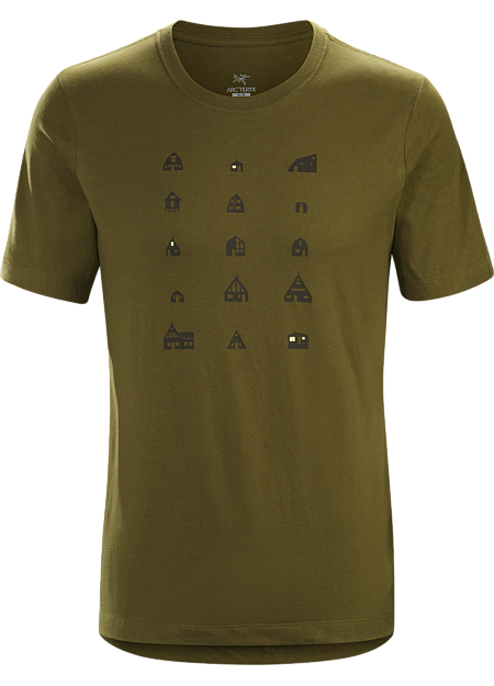 T-shirt with mountain hut graphic made with organically grown cotton.