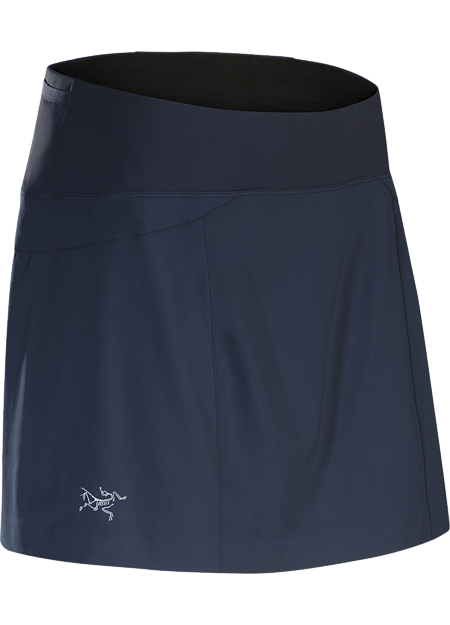 Lightweight performance skort with a built in liner, ¾ side split and wide stretch waistband. Designed for high output mountain training.