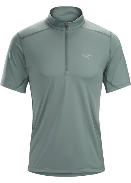 Performance top utilizes two fabrics for comfort on warm-weather trail runs.