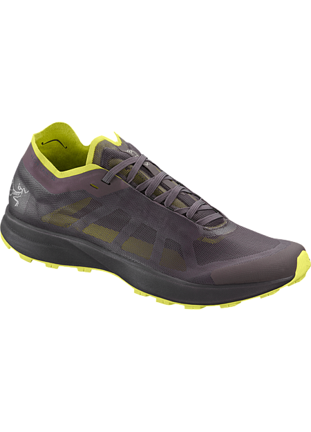 Breathable, packable, superlight shoe for running on technical trails.