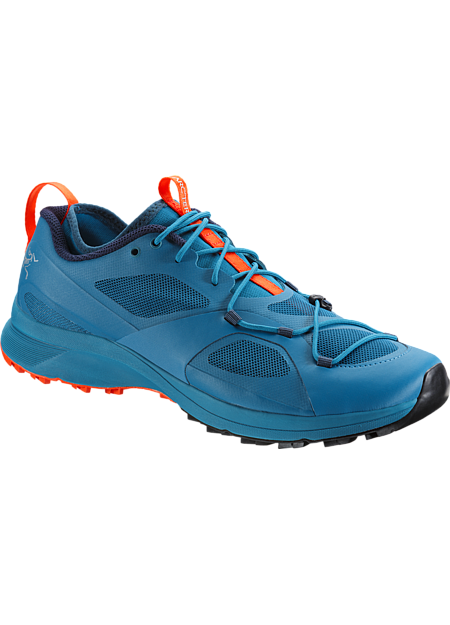 Performance trail running shoe with enhanced climbing and scrambling abilities.
