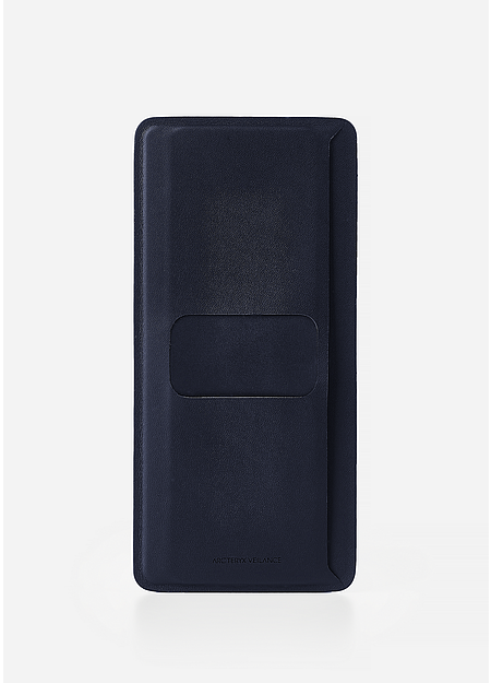 Smooth durable billfold.