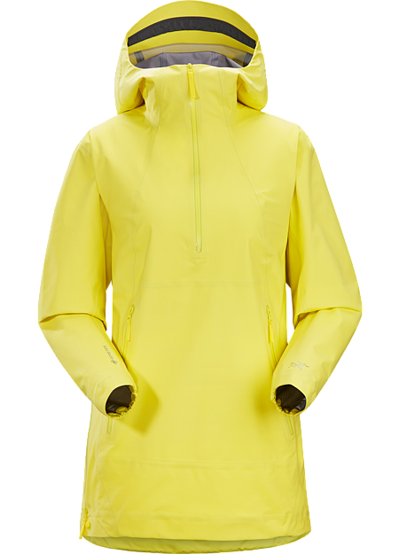 GORE-TEX weatherproof protection refined for the urban landscape.