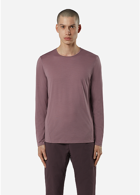 A crew neck long sleeve tee in a soft merino.