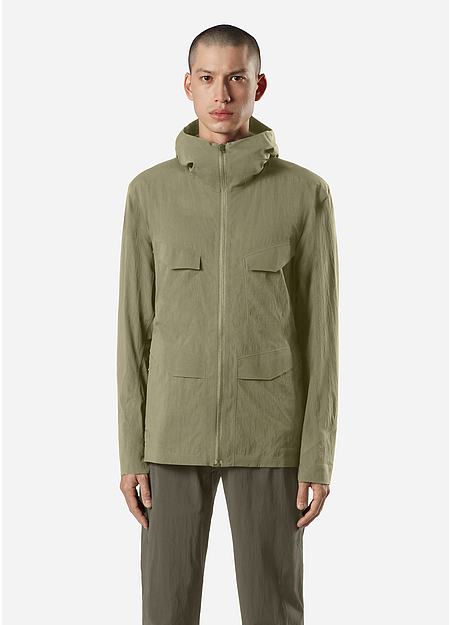 A military inspired, 6 pocket configuration jacket.