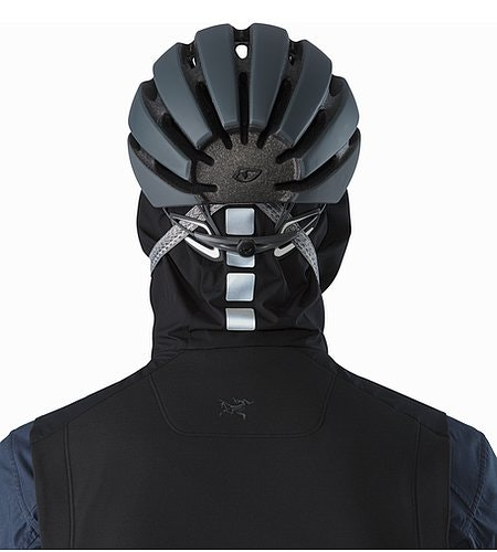 A2B Comp Vest Black Hood Reflective Feature