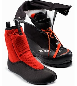 52f600b731a Acrux AR Mountaineering Boot Black Cajun Front View Liner