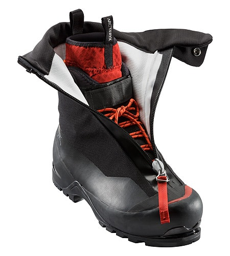 Acrux AR Mountaineering Boot Black Cajun Open View