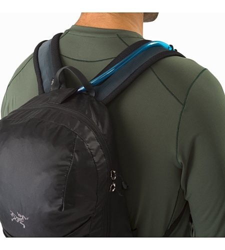 Aerios 10 Backpack Raven Hydration Port