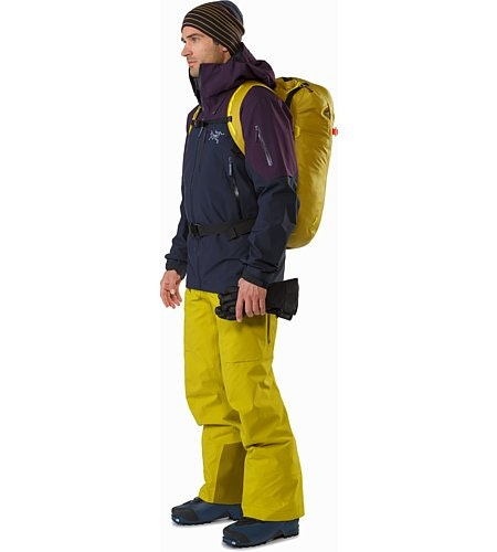 Alpha SK 32 Backpack Everglade Passform Vorderansicht