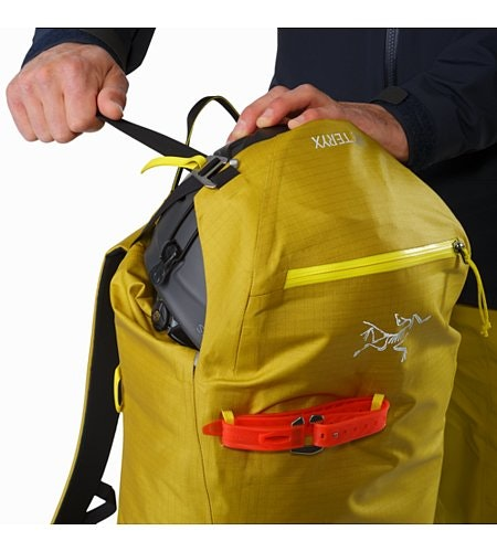 Alpha SK 32 Backpack Everglade Top Lid Pocket