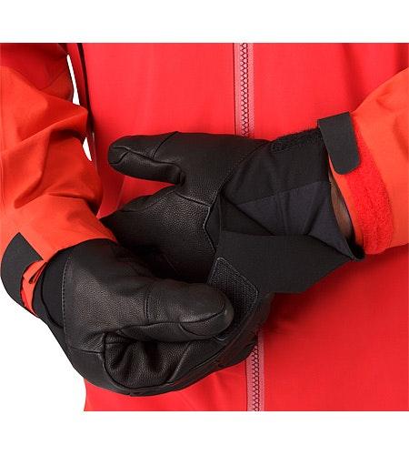 Anertia Glove Black Cuff
