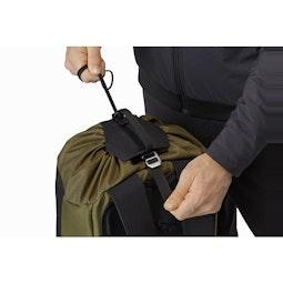 Arro 20 Bucket Bag Wildwood Top Adjuster