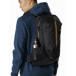 Arro 22 Backpack 24K Black Mesh Stow Pocket