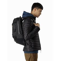 Arro 22 Backpack 24K Black Side View
