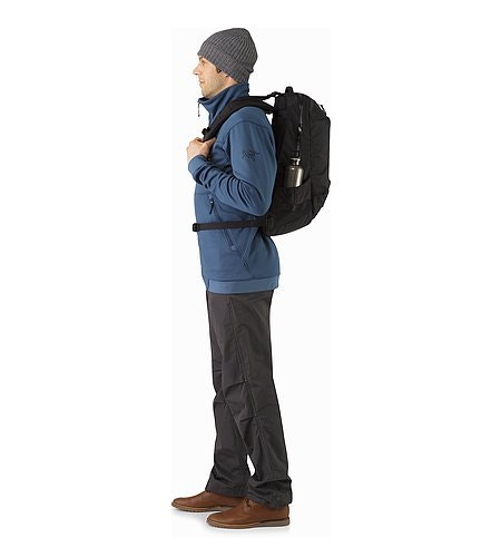 Arro 22 Backpack Black Fit