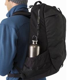 アロー 22 バックパック ブラック メッシュ収納ポケット