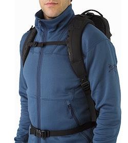 アロー 22 バックパック ブラック 胸部ストラップ