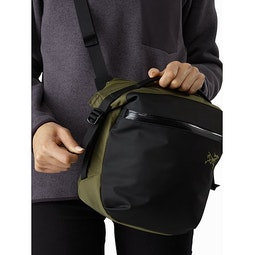 Arro 8 Shoulder Bag Wildwood Roll Top Adjuster