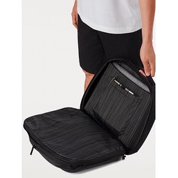 Blade 20 Backpack Black Open View