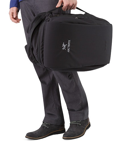 Blade 28 Backpack Black Side Handle