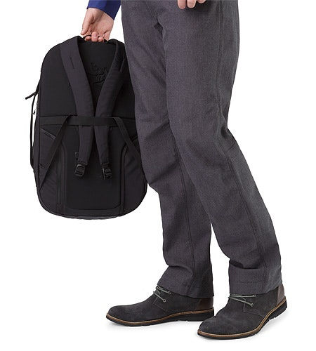 Blade 28 Backpack Black Top Handle