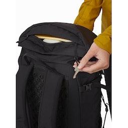 Brize 25 Backpack Black Key Clip