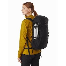 Brize 25 Backpack Black Side View V2