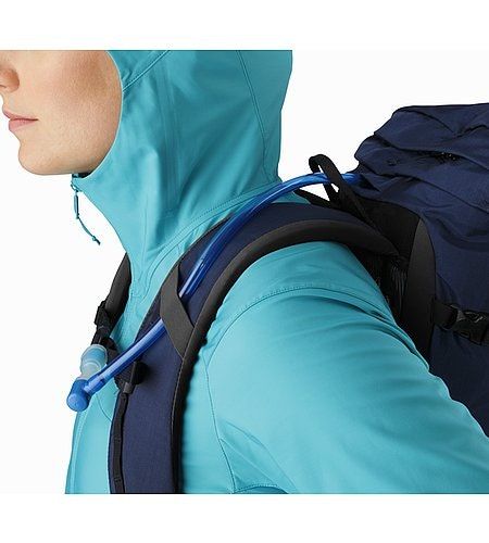Brize 25 Backpack Nocturne Hydration Port