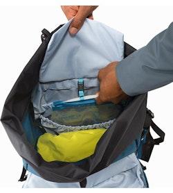 Brize 32 Backpack Iliad Hydration Pocket