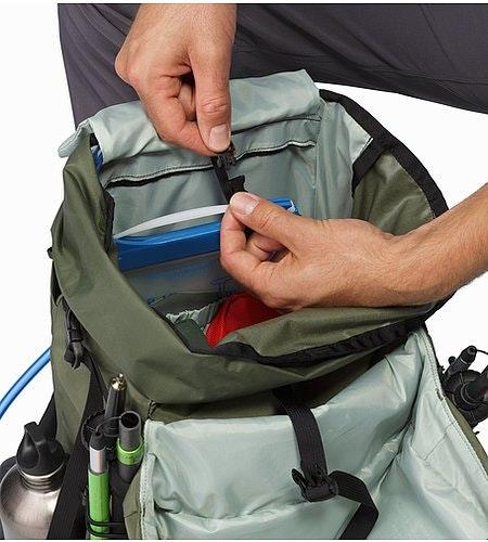 Brize 32 Backpack Joshua Tree Hydration Pocket
