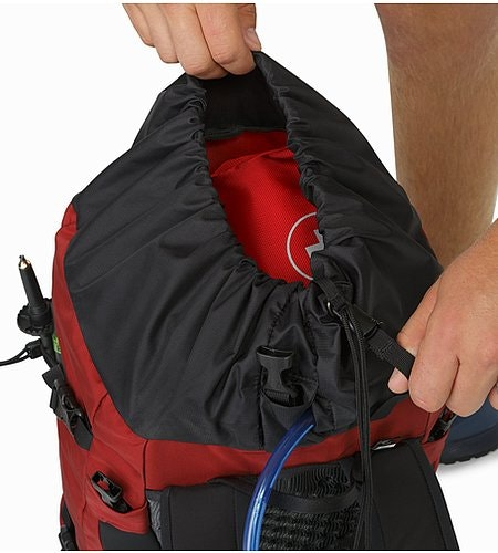 Brize 32 Backpack Red Beach Drawcord System
