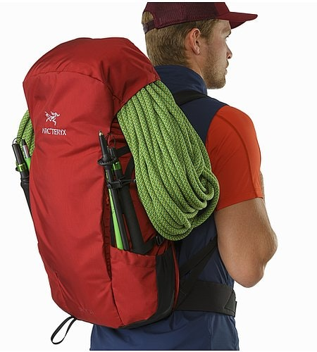Brize 32 Backpack Red Beach Rope Under Top Lid