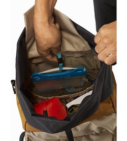 Brize 32 Backpack Yukon Hydration Clip